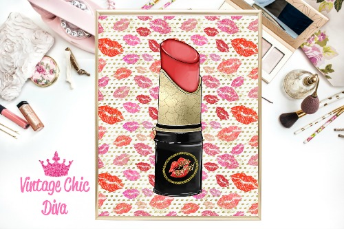 Betsey Johnson Lipstick Purse Lips2 Background-