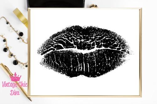 Black Lips White Background3-