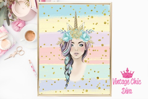 Unicorn Queen Green Floral Gold Unicorn Horn Pastel Gold Dots Background-